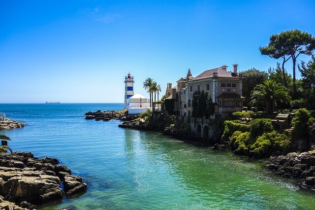 lighthouse-cascais