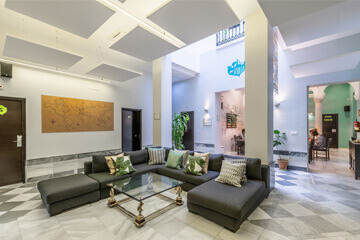 Facilities-seville-hall-2-oasis-backpackers-palace