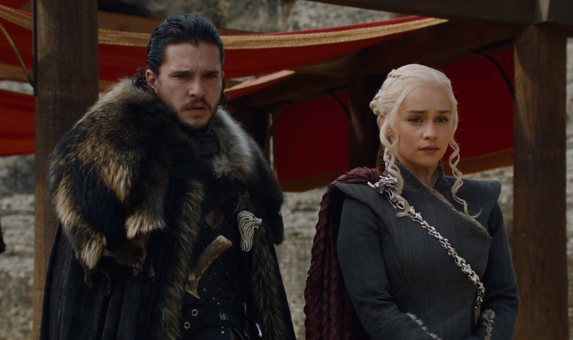 Pictured is John Snow & Daenerys Targaryen stood side by side one and other